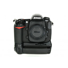 Used - D300 with MB-D10 Battery Grip