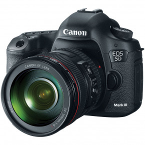 EOS 5D Mark III with EF 24-105mm L IS USM Lens